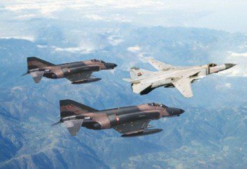 Compared Air Combat Performances analysis MiG-23ML versus F-4E Phantom II par TOPOLO